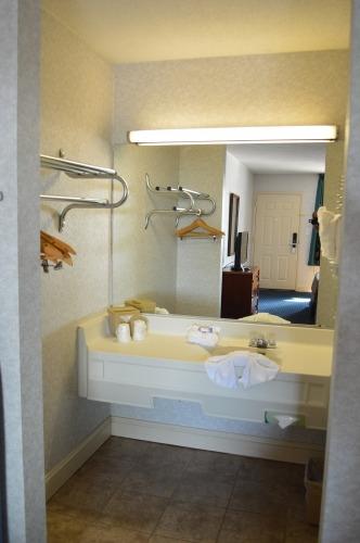 Suite Sink Area