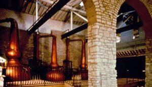 Image of Kentucky bourbon distillery near Bluegrass Extended Stay